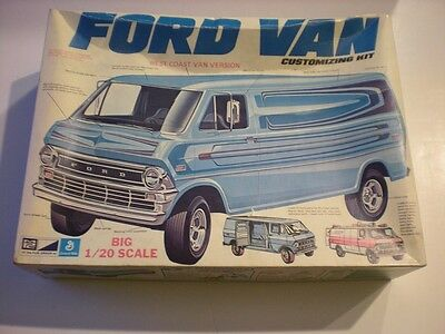 MPC Ford Van Customizing Plastic Model Van Kit Scale 1/20 #1-7331 Issued 1973