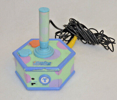 Blue's Clues Plug N Play-Blue's Room 2004 Collectible Game - WORKS GREAT -