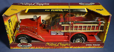 NYLINT Classics 3020 Fire Engine Pumper OVP Metal Muscle vintage Tin Toy C161