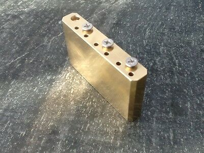 "BRASS TREMOLO BLOCK (Fender MIM Standard Stratocaster 52.5mm (2 1/16"") strings)"
