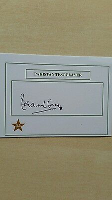 Mohammad Farooq  signed Pakistan Test Player Card Cap No: 37