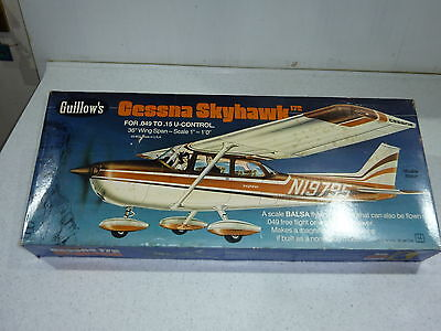 Guillows Cessna Skyhawk Kit  #802 Balsa Wood 1/32 Scale flying model