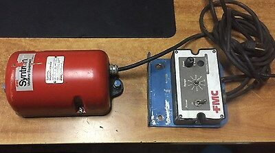 FMC TECHNOLOGIES SYNTRON MAGNETIC VIBRATOR MODEL V-20 with controller
