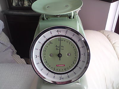 Typhoon green Vintage Retro Style Weighing Scales,  NO BOWL, NICE CONDITION. 4KG