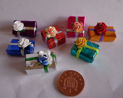 1:12 Wrapped Presents (7) Dolls House Miniature Accessories
