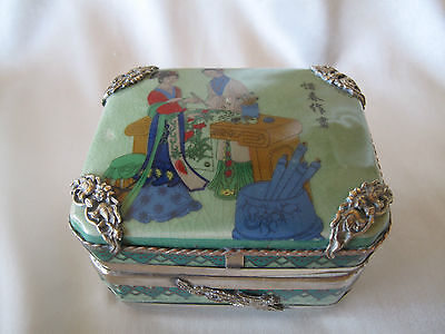 Antique Ching Dynasty  Porcelain Hand Painted Box With Gilt Decorations