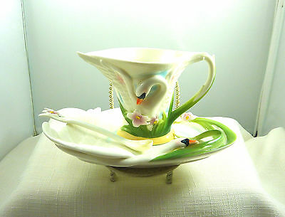 Collectable Decorative Swan Tea Cup & Saucer & Spoon Set