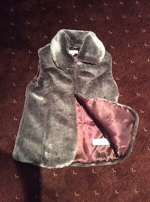 M&S faux fur gilet - girls age 7-8 years - BNWOT