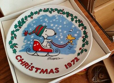 Schmid Peanuts 1972 Christmas Plate - First Edition
