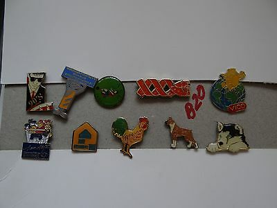 10 x MIXED COLLECTABLE BADGES / PINS B20