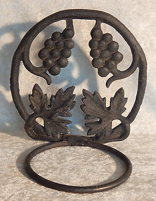 Cast Iron Vintage Wall Hanger Grapes Vineyard Flower Pot Plant Holder Garden