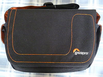 lowepro impulse 110 shoulder bag for camera/camcorder