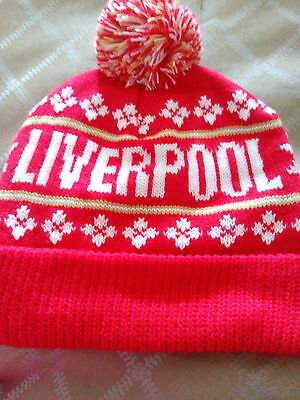Liverpool bobble hat unisex.