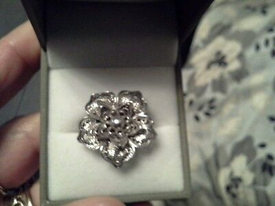 Solid silver filigree work floral ring heavy in box