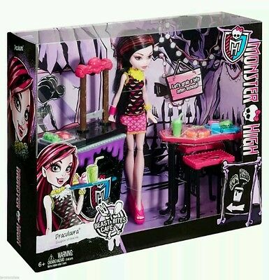 Monster High Beast Bites Accessory Playset with Draculaura