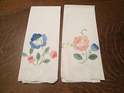 "2 White Cotton Blend Embroidered & Appliqued Guest Towels/22 x 13.5"" Rectangle"