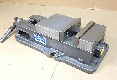 "KURT 6"" PRECISION MACHINE VISE - Model D675"