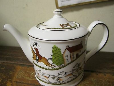 Wedgwood Hunting Scenes Small Tea Pot Some Trim Missing From The Base