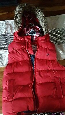 unisex red fur hood gilet 2-3 years
