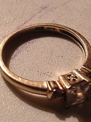 9ct Gold Ring SIZE 7.5