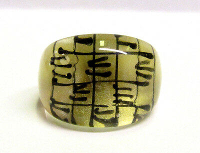 Vintage Collectible Reverse Painted Black & Gold Lucite Ring
