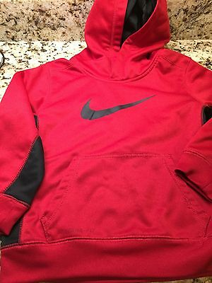 NIKE Boys Red pullover size 6