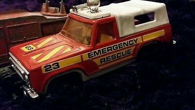 Matchbox superkings fire engine emergency rescue plymouth trail duster