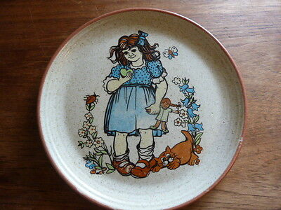 """9452) Very different """"Purbeck Pottery"""" small plate w girl outside design 8.75""""D"""