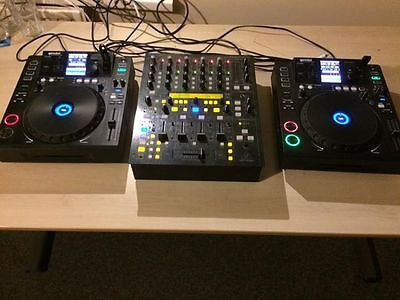 Two Gemini CDJ 700's and a behringer ddm4400