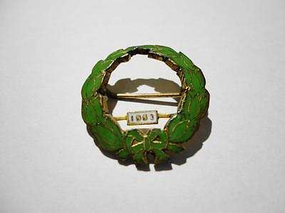 Vintage 1952 Enamel WREATH badge pin