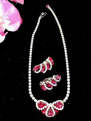 Dazzling 1950'S Weiss Fuchsia Pink Crystal Rhinestone Necklace Clip Earrings Set