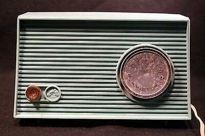RCA Victor Radio Turquoise Blue Vintage Retro AM Tube Does Not Work