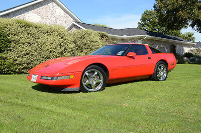 1995 Chevrolet Corvette Base Coupe 2-Door Collectors Low miles Excellent condition Garage kept