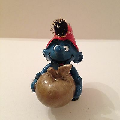 Smurf With Golden Apple