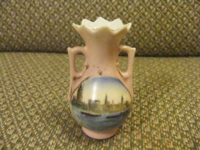 Crested China 2 Handled Urn - Transfer Print of Houses of Parliament London