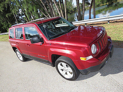 2012 Jeep Patriot Limited 4x4 NICE 2012 Patriot Limited 4WD - Low Miles and Loaded with Sun & Sound pkg + MORE