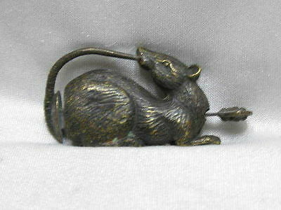 China old bronze lucky mouse can use the lock and key F636