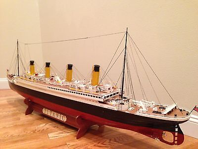 """RMS Titanic 70"""" XL Museum Quality Limited Edition Ocean Liner Wooden Ship Model"""