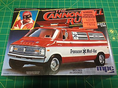 MPC THE CANNONBALL RUN DODGE VAN 1/25 1981 F/S Plastic model kit made in USA!