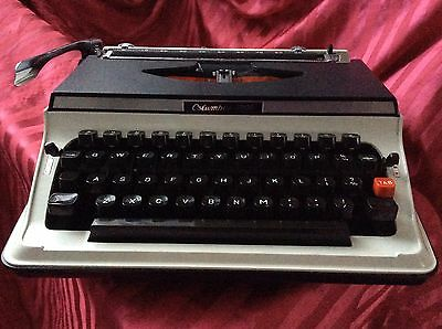 Vintage Columbia 3000 Portable Typewriter In Hard Shell Case - Steampunk Lovers