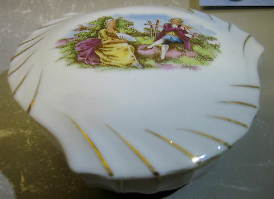 Unusual porcelain trinket box