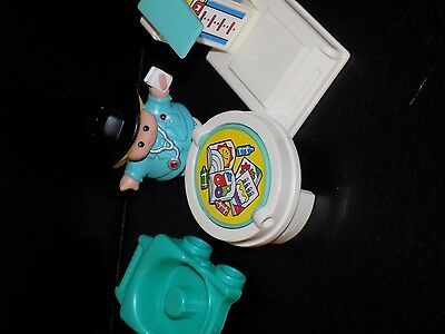 Fisher Price Little People Carry Along Case Doctors Office  accessories
