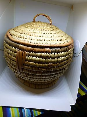 Beautiful Hand Woven African Basket with LID from AFRICA