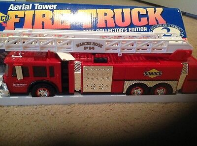 1995 Collectors Edition #2 In The Series Sunoco Aerial Tower Fire Truck 1/32 NIB