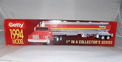 Vintage Getty 1994 model 1st in a Collectors Series Toy Tanker Truck  NEW in box