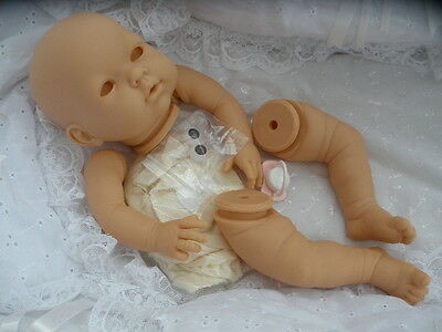 "REBORN BABY-DOLL KIT ""ESTELA ""  WITH FULL LIMBS + 20in DISK BODY + PINK DUMMY ."