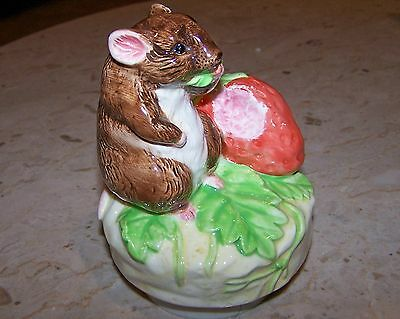 Lovely Old Schmid Beatrix Potter It's A Small World Timmy Willie Mouse Music Box