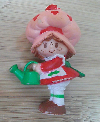 Strawberry Shortcake With Watering Can Miniature Figure Kenner From 1981