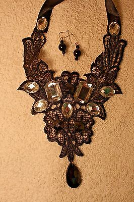 Victorian style jewelry set earrings Black lace necklace