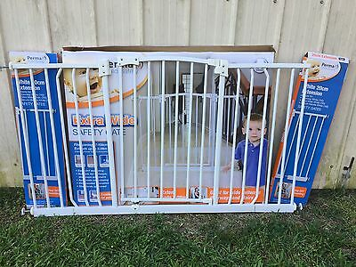 Safety Gate (extra wide) with Extensions